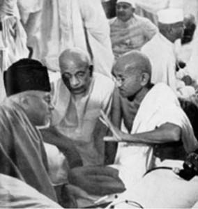 Maulana Azad, Sardar Patel and Gandhiji