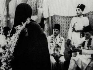 Amjadi Begum addressing a meeting