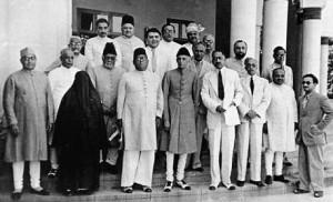 Amjadi Begum with  delegates at Muslim League Governing Council's Lahore session.